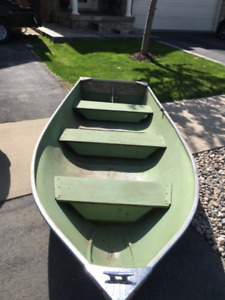 ALUMINUM 12 FT BOAT FOR SALE