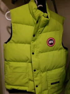 Canada Goose freestyle vest (lime green)