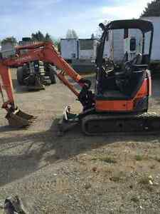 2009 Hitachi ZX27 Mini Excavator, Low Hours