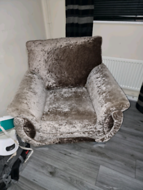 Champagne crushed velvet sofa suit set!.
