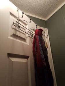 Over door hanging hooks