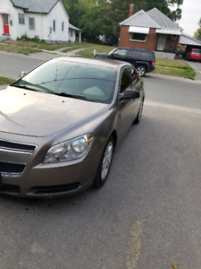 2010 Chevrolet Malibu low kms 135 000kms.