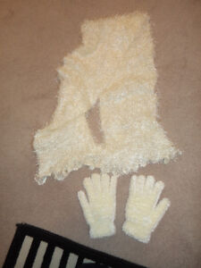 large warm cozy soft brand new white scarf and gloves 5.00