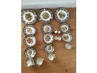 Palissy Game Series Dinner Service
