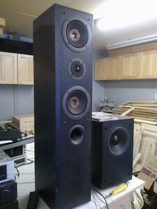 pair of  technics SB-T200 tower speakers