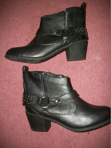 ladies leather boots  NEW CONDITION