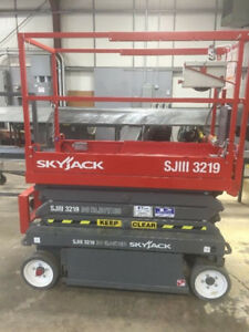 Skyjack 3219 Scissor Lifts