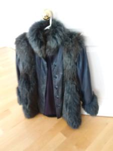 Manteau d'hiver bleu, pour femme en cuir et fourrure renard 40$