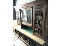 ANTIQUE OAK ORNAMENTAL DRESSER