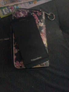 Z10 blackberry good condition UNLOCKED with freedom