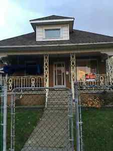 HOUSE FOR SALE Windsor Region Ontario image 1