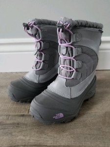 Brand New The North Face Girl's Winter Boots - size 1