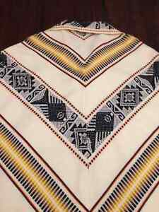 Authentic 100% wool poncho, hand made,  from Ecuador West Island Greater Montréal image 4