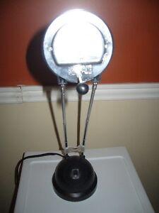 2 lampes de chevet ou ordinateur peuvent être vendues séparément