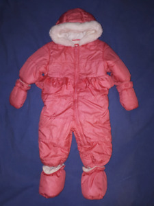 Baby Girl Snowsuit Size 6/12mts, New