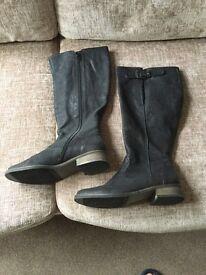 Ladies Gabor black leather boots