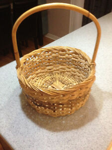 "13"" Round Wicker & Rope Basket Kitchener / Waterloo Kitchener Area image 1"