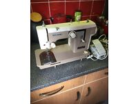 New home janome sewing machine model 677