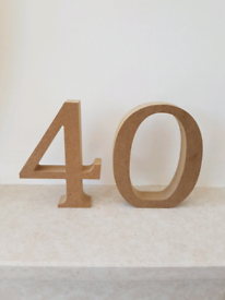 *FREE* NEW 4 and 0 Wooden Numbers