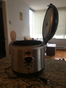 Rice Cooker (Mint Condition)
