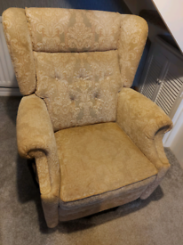 Parker Knoll rise and recline chair