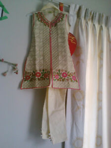 INDIAN PAKISTANI TODDLER  DRESS.KIDS/CHILDREN BANGLES