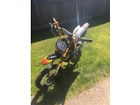Pit Bike 125CC ** MINT, ONLY 4 MONTHS OLD **