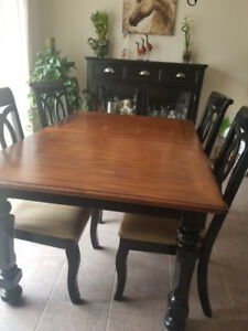 6 Seat Table and Hutch Dining Set (Ashley Collection)