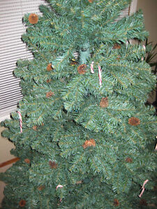 7.5 foot Christmas tree