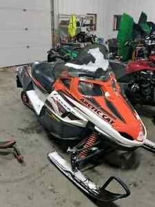 2008 Arctic cat f1000 dam near mint it has 15hrs and 167 miles