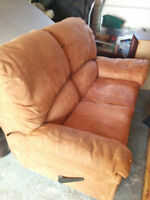 2 seat recliner couch / sofa perfect condition sth. etobicoke