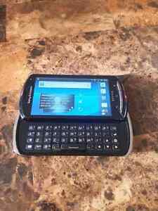 Téléphone Android Sony Ericsson Xperia Pro MK16a  Fido