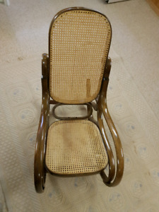 Classic Style Rocking Chair