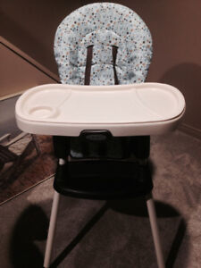 (2) Graco high Chairs Excellant condition!!
