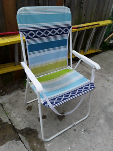 Foldable chair for picinc and yard