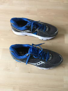 Size 9 Men Saucony Shoes