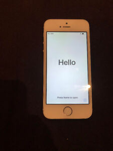UNLOCKED White iPhone SE 64 GB *Home button iffy*