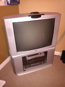 "32"" RCA TV (Entetainment Series) with stand (corner unit)"