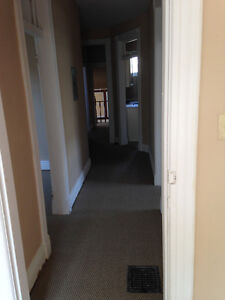 GREAT 3 Bedroom downtown Richmond/Oxford! STUDENTS London Ontario image 6