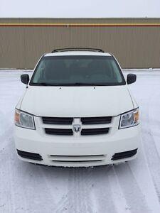 2010 Dodge Grand Caravan Minivan $7000