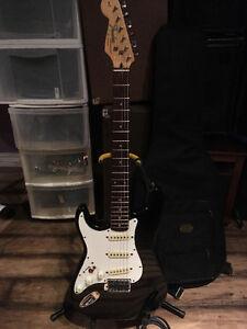 Left Handed Fender Strat Stratocaster Guitar Excellent