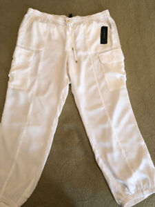 Brand NEW Woman's White Pants