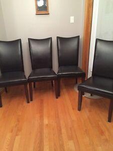 Buy Or Sell Dining Table Sets In Winnipeg Furniture Kijiji Classifi