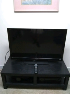 """40"""" SONY LED TV in mint condition"""