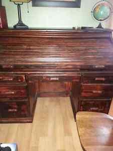 6ft wide roll tip desk London Ontario image 2