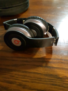 Beats solo by dr.dre