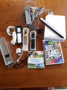 ***PRICE REDUCED!!! Wii GAME CONSOLE and Accessories