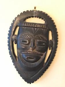 Masques africains - crèche de noël