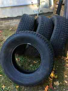 4 Firestone Winterforce UV Studded Tires - used 1 season Gatineau Ottawa / Gatineau Area image 1