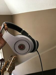 Beats by dre  London Ontario image 1